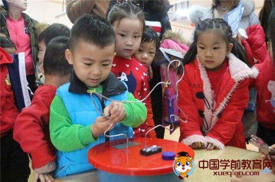 """长沙市天心区小百合幼儿园,家庭式护理让幼儿在""""玩中学,学中玩"""