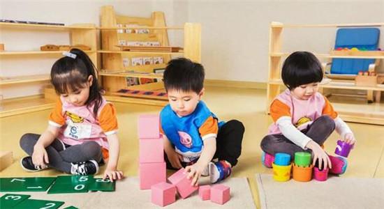 combaby新爱婴早教(银川中心),让世界充满欢乐的孩子