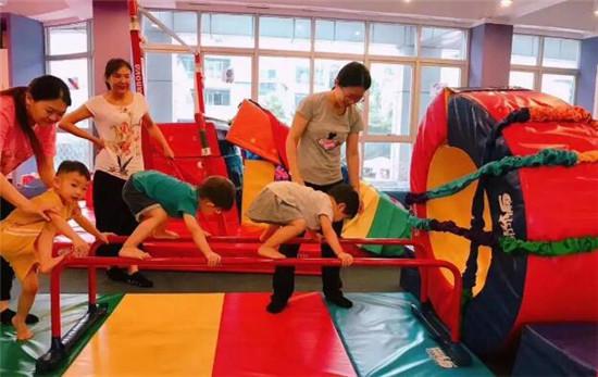 小小运动馆,有规律的运动做健康宝宝,让孩子受益一生